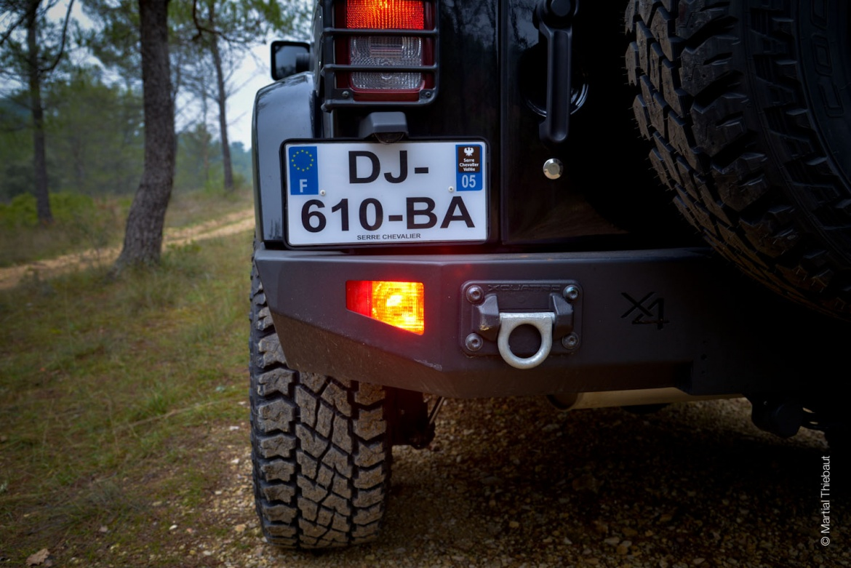jeep noire dj 610 ba 12 photographe aix en provence bleu ocean martial thiebaut. Black Bedroom Furniture Sets. Home Design Ideas
