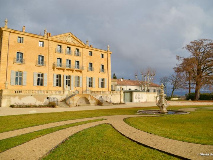 Château de Fonscolombe, Le Puy-Sainte-Réparade Hôtel *****