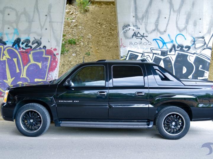 Cadillac Escapade EXT