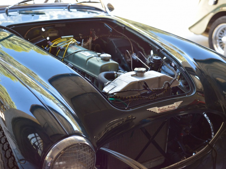 Austin Healey restauration par Authentic garage Saint Cannat
