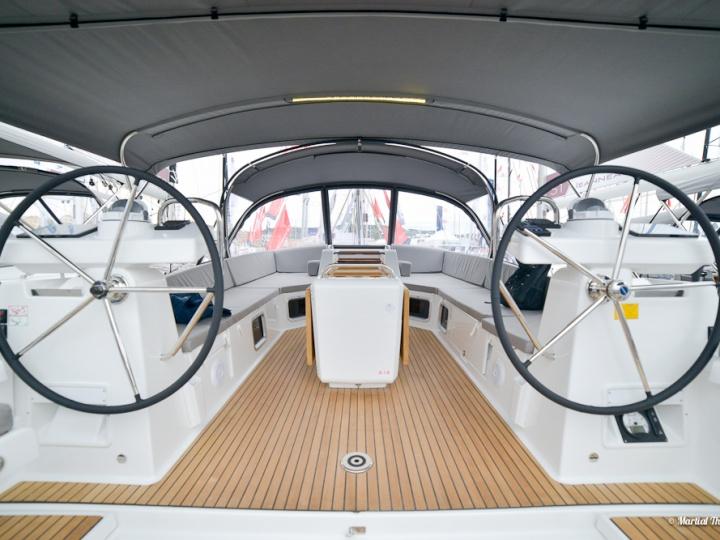 Salon nautique de Cannes avec Yacht Méditérranée Jeanneau Marseille